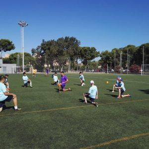 фото разминка летний лагерь в Барселоне разминка перед тренировкой