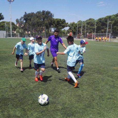 фото футбольный лагерь в Барселоне тренировка