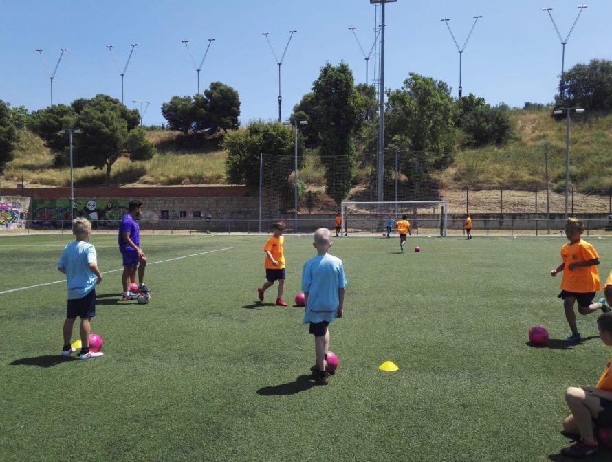 фото тренировка в лагере Планета Спорта в Барселоне