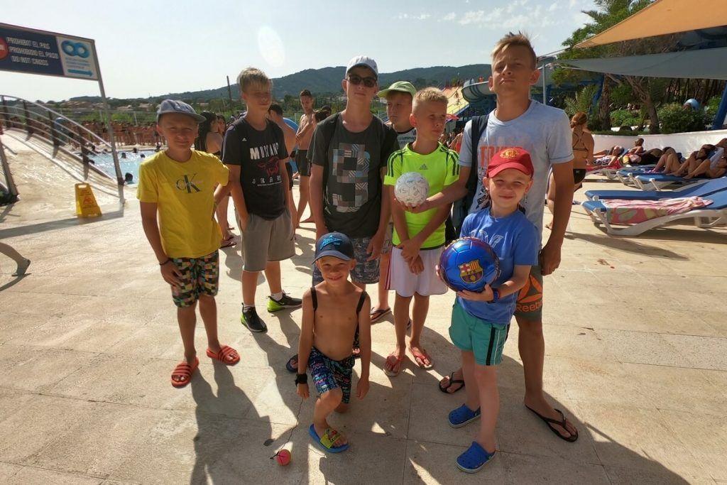 общее фото в аквапарке испания