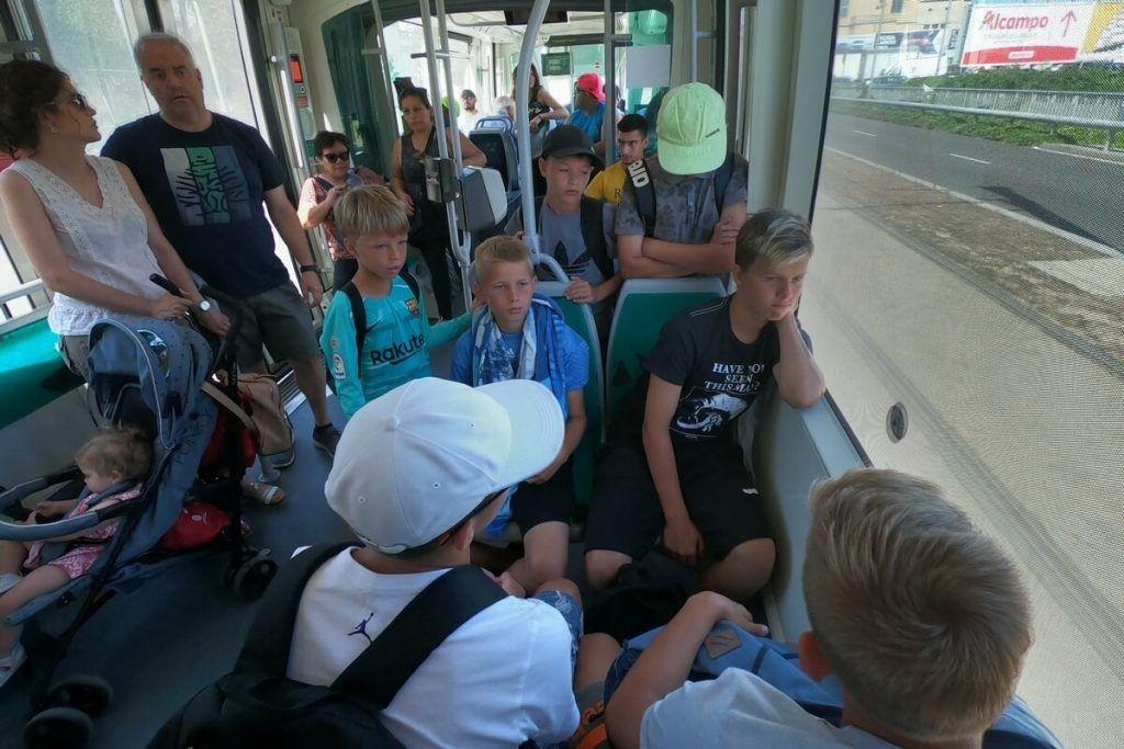 фото в барселоне в трамвае