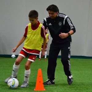 фото Сонни Силой тренирует в лагере Планета Спорта