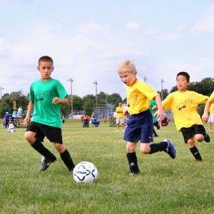 лагерь по футболу в Эстонии игра на поле фото