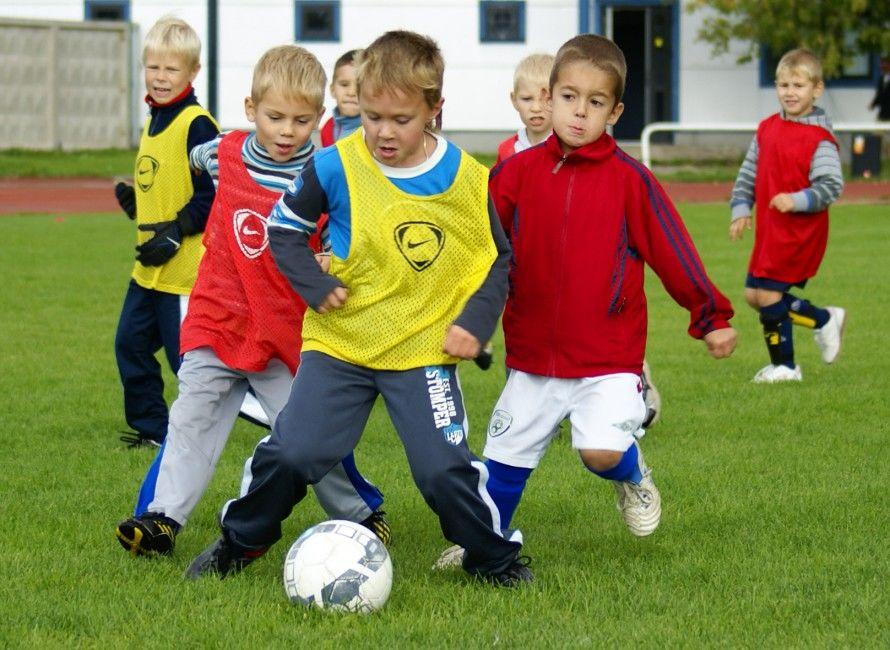 Футбольный детский летний лагерь Эстония фото с тренировки
