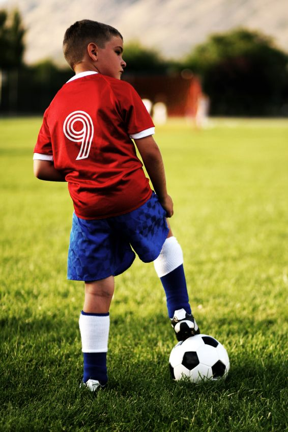 это классные фото с детьми футболистами рисунок